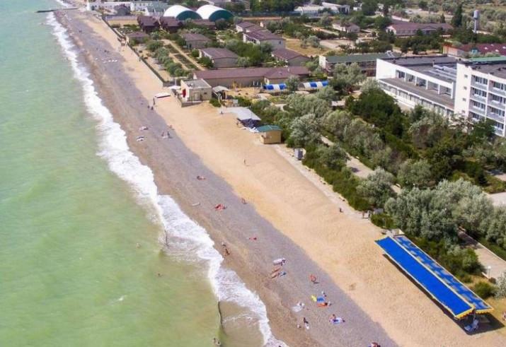 Вид сверху на пляж