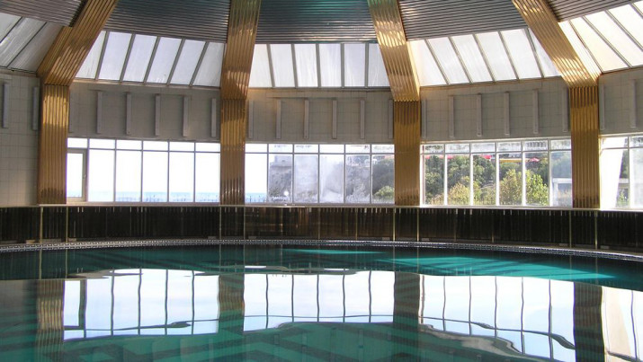 крытый бассейн санатория