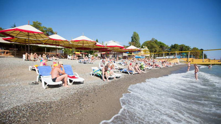 собстенный пляж санатория